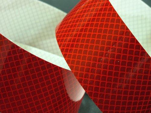 Czerwona taśma odblaskowa samoprzylepna kratka 5 cm