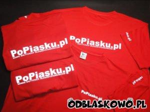 Czerwona koszulka odblaskowa popiasku