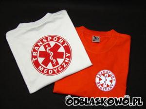 Różny kolor koszulek z nadrukiem transport medyczny