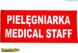 Napis odblaskowy pielęgniarka medical staff czerwone tło