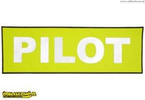 Naszywka na żółtym tle napis pilot