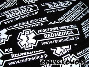 Czarne naszywki odblaskowe medyczne redmedica