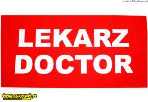 Naszywki odblaskowe na czerwonym tle lekarz doctor